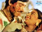 Holi Aayi Re Kanhai Lyrics | Mother India | Nargis & Sunil Dutt