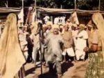 Aayi Jhoomke Basant Lyrics – Upkar